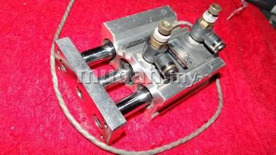 SMC Cylinder MGQM20-B5697-25