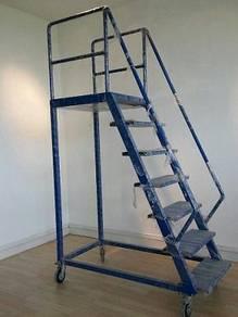 Storage stair 8'