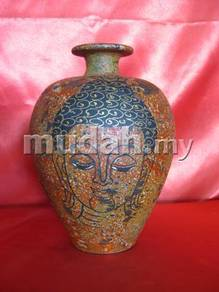 Aipj Terracotta vases with buddha image
