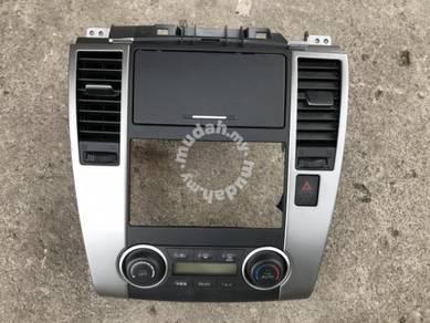 No 21-10-51 Nissan Latio Tiida Aircond Switch Jpn