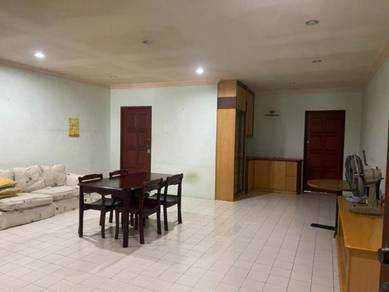 Shop house for rent green road kuching