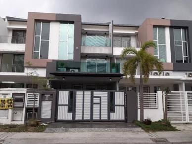 Triple Storey Terrace House Bandar Botanik klang