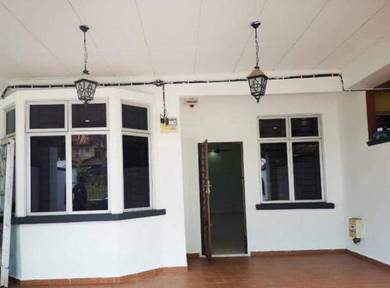 Single Storey Terrace House FOR RENT Bandar Putra Kulai Good Condition