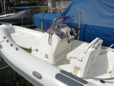 RHIB Boat Bot Owner wants serious Offers