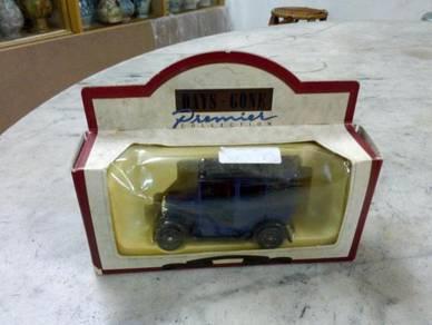TExp England Lledo 1933 Austin Taxi Blue Vintage