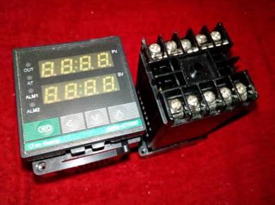 XMTG-C1211 Temperature Controller