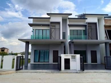 New Modern Design Double Storey Terrance Zero Downpayment & Club House