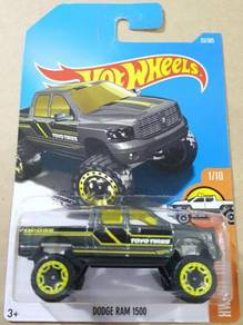 Hotwheels Dodge Ram 1500 Grey 2017