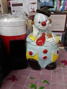 Porcelain clown vintage