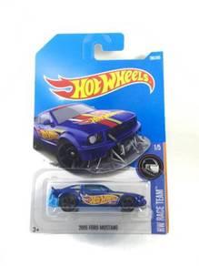 Hotwheels 2005 Ford Mustang #1 HW Racing Blue