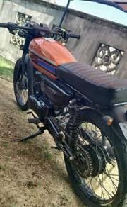 Suzuki trs 125