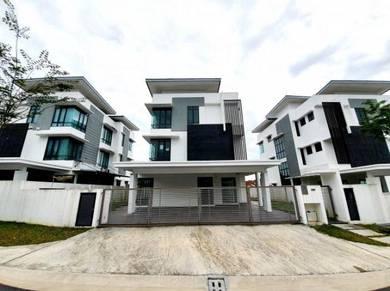 FULL LOAN 3 Storey Bungalow House Lambaian Residence Bangi