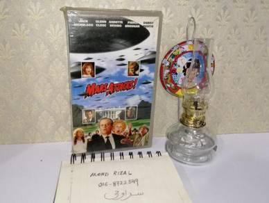 MARS ATTACKS VHS Film Movie Video Tape 1991