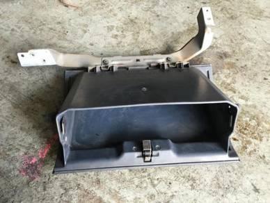 MMC 4x4 Pajero Console box Passeger Side V-Body