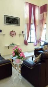 Gambang 6 Rooms Banglo Homestay