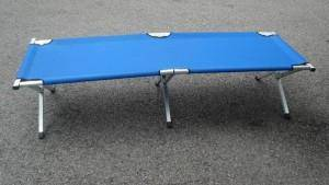 Aluminium camping bed (blue)