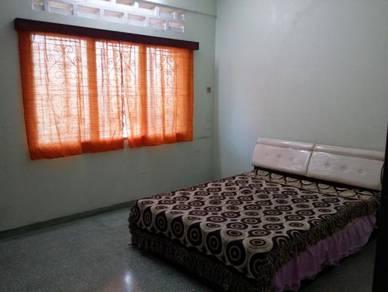 Bilik Besar/Large Room For Rent In Seremban Town