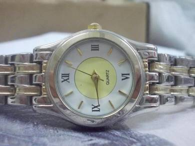 Lady quartz watch