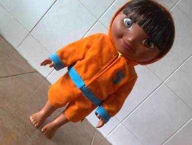 Patung dora mattel doll