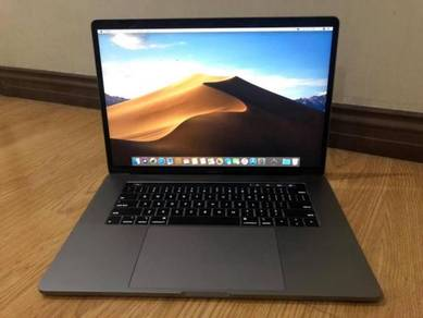 MacBook Pro 15 inch 2018 touch bar