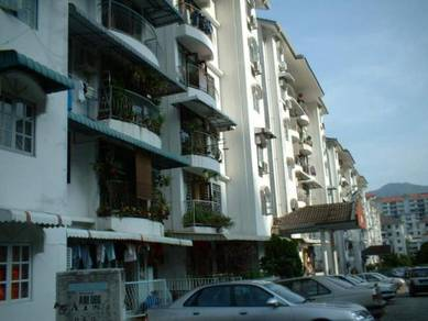 Tanjung Court Fully Renovated Kitchen Cabinet 2-Air Cond 700sf 3-Rooms