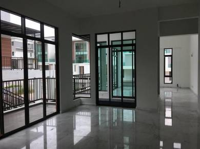 3 Storey Semi-D at Kingsley Hills, Putra Heights