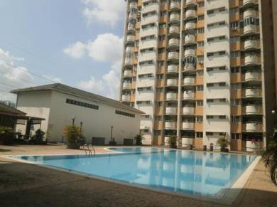 Meadow Park 2 FREEHOLD with Strata Title Condo CORNER unit Low Floor