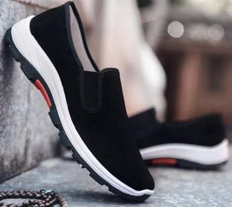 R0267 Black Slip On Sneakers Wear Hiking Shoes