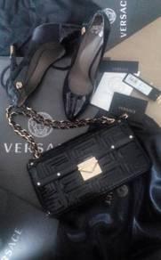 VERSACE calfskin Leather Gold chain handbag Bag be
