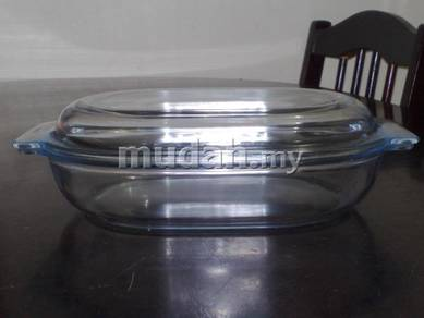 Mangkuk vintage Pyrex casserole with lid