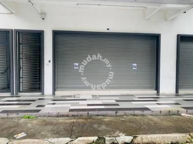 Taman molek ground floor shop lot for rent
