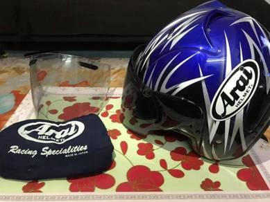 Helmet Arai Stella biru