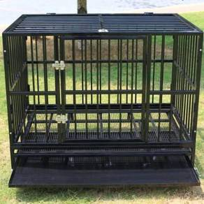 Dogs cage with wheels