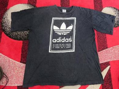 Vintage adidas t shirt big logo size xl made in us
