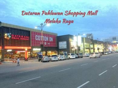 Facing Main Road , Ground Floor Shop Lot ~ Dataran Pahlawan