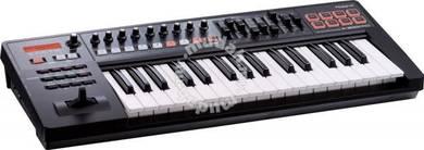 Roland a300 / a-300 Pro Keyboard (FREE Pedal)
