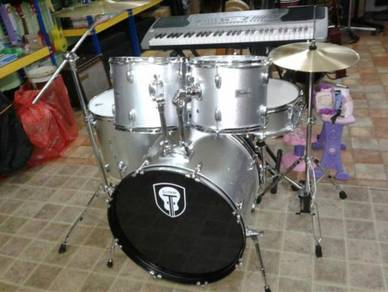 Techno Silver Drum Set with Cymbal