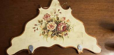 Hand painted wall key holder plaque