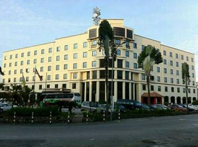 Hotel 4 bintang for sale