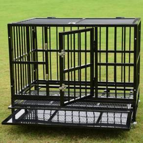 Steel cage for dogs with wheels