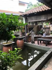 Rumah teres end lot 2.5 tgkt aman putra, puchong dengan taman mewah