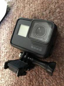 GoPro Hero 6 black PLUS EXTRAS