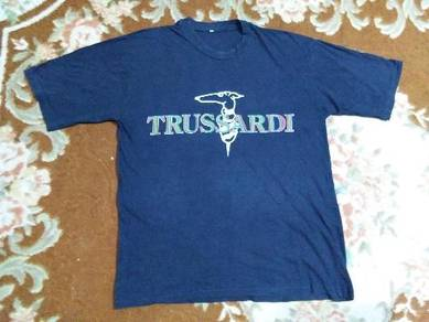 Trussardi t shirt spell out fits to size L made in
