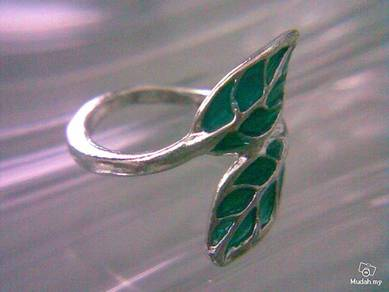 ABRSM-L011 Green Leaf Silver Metal Ring Size 7.25