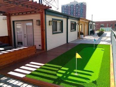 Garden golf putting green