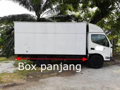 Toyota Hino 2011 Box Van Lori Lorry 2tan Green Eng