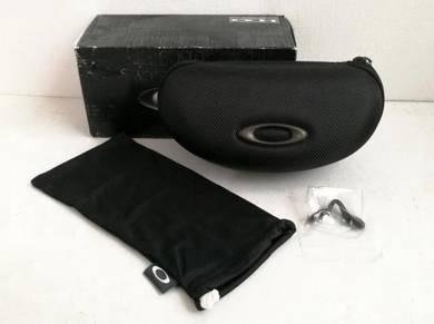 Oakley Soft Vault sunglasses Case + Cloth