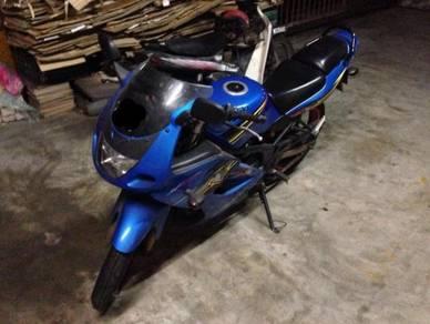 Yamaha Kawasaki RR150 2013