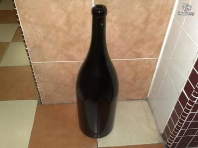 Botol besar Large champagne bottle