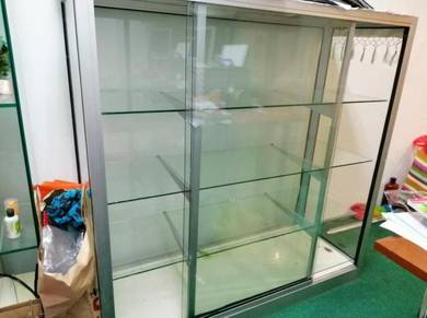 Glass cabinet display
